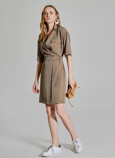 People By Fabrika Cep Detaylı Tencel Elbise Haki